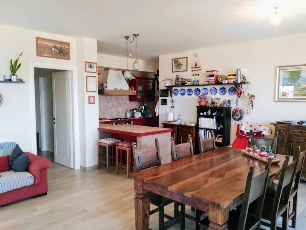 Appartamento nuovo con ampio giardino e garage doppio