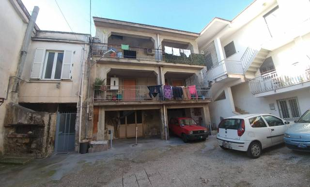 Appartamento in buone condizioni in vendita Rif. 6051291
