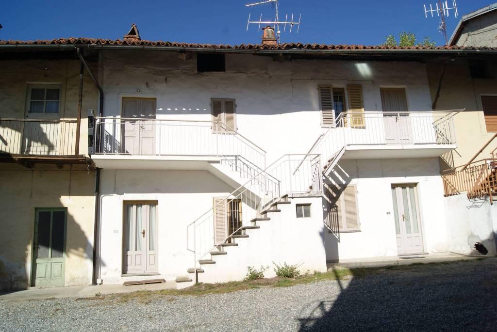 Foto 1 di Casa indipendente via Roma, Bollengo