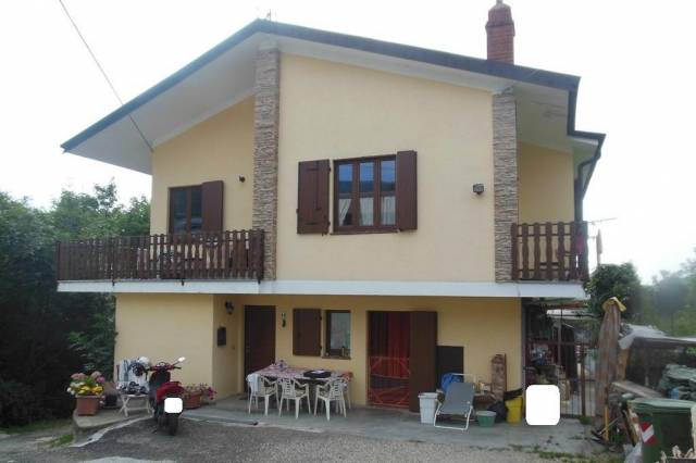 Villa in Vendita a Coazze