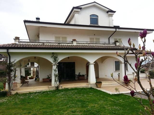 Foto 1 di Villa via Colle di Fionda, Cervaro