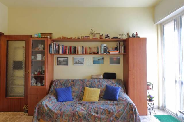 Appartamento in buone condizioni in vendita Rif. 6053443