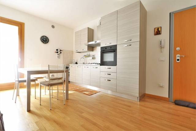 Appartamento trilocale in affitto a Longare (VI)