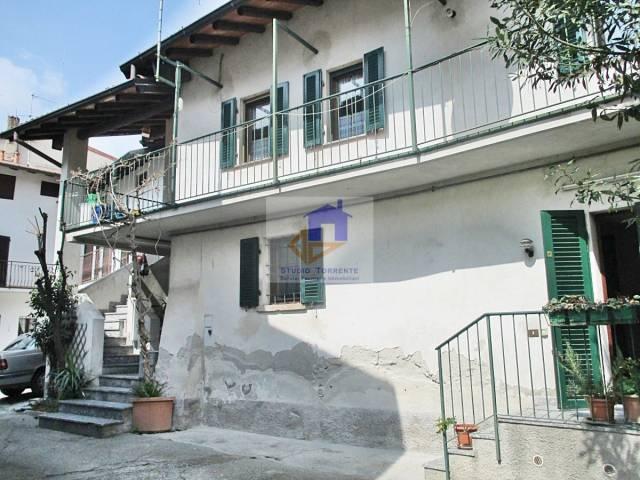 Appartamento 6 locali in vendita a Airuno (LC)