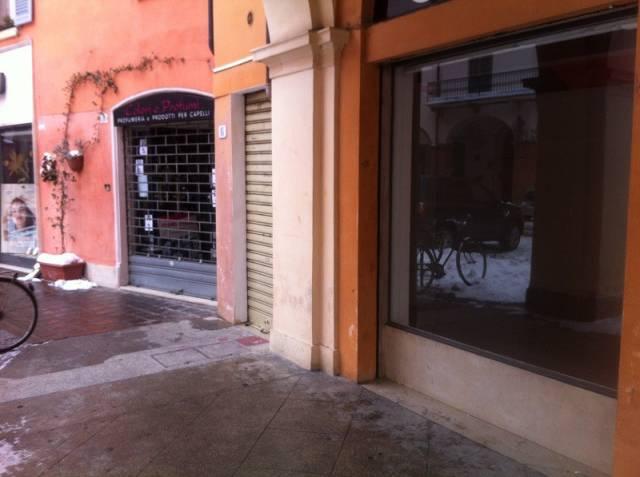 Negozio bilocale in affitto a Modena (MO)