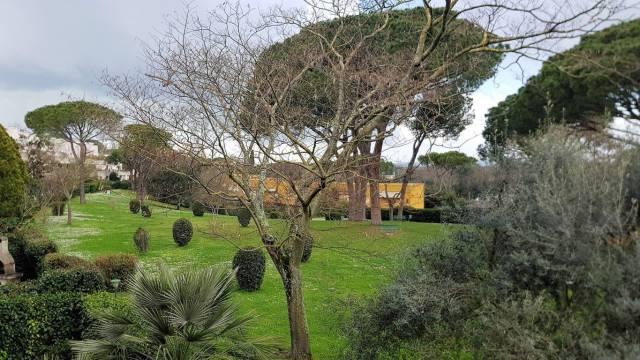 Appartamento 5 locali in vendita a Roma (RM)