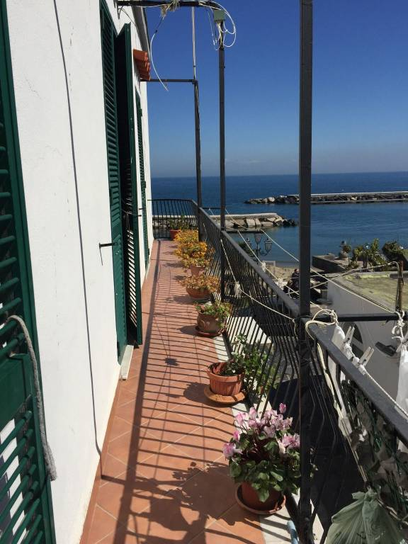 Appartamento in buone condizioni in vendita Rif. 7348552