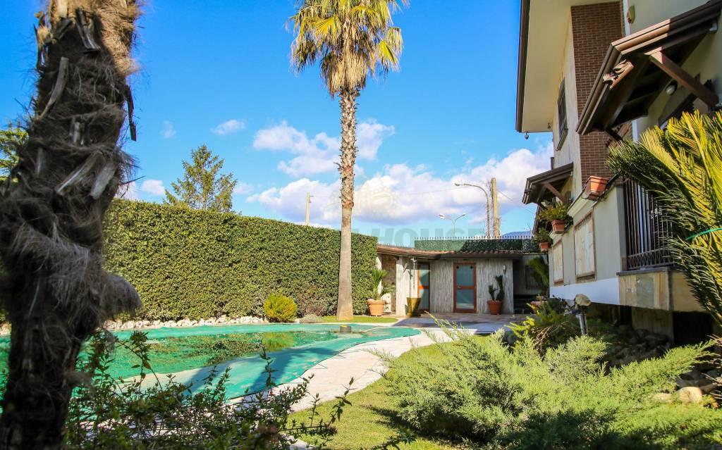 Villa in ottime condizioni in vendita Rif. 7424606