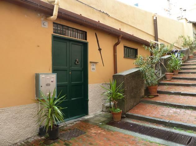 Appartamento in Vendita a Genova Centro: 5 locali, 99 mq