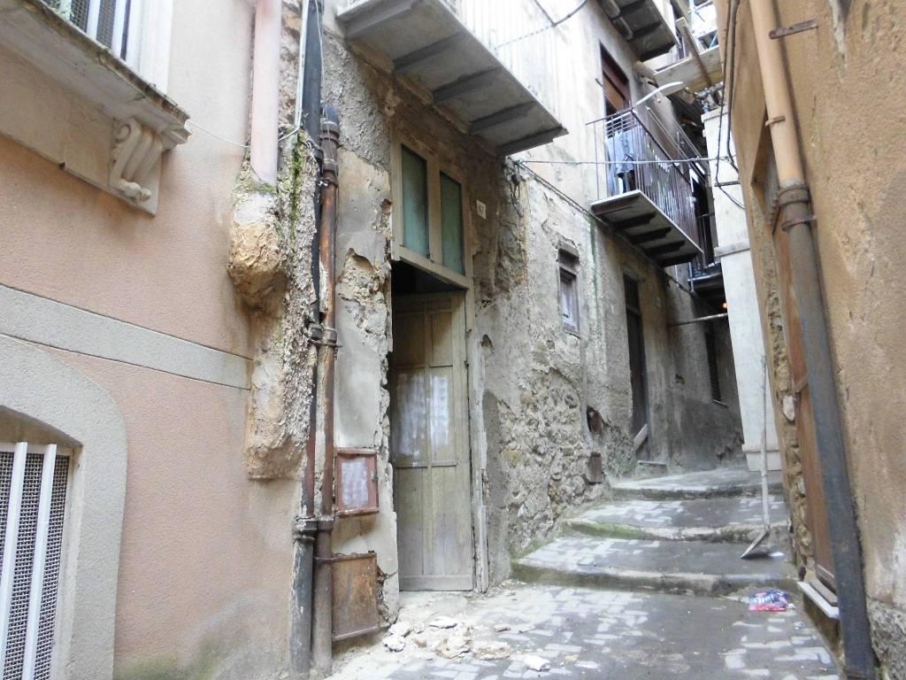 Magazzino monolocale in vendita a Caltanissetta (CL)