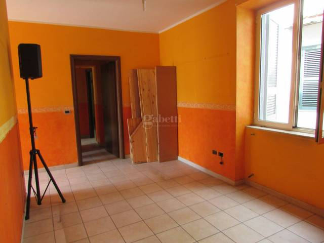 Appartamento in buone condizioni in affitto Rif. 6078576
