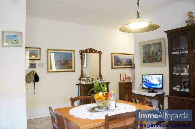 Appartamento in ottime condizioni parzialmente arredato in vendita Rif. 5698076
