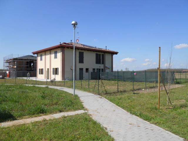 Villa in vendita a Anzola dell'Emilia, 5 locali, prezzo € 250.000 | Cambio Casa.it