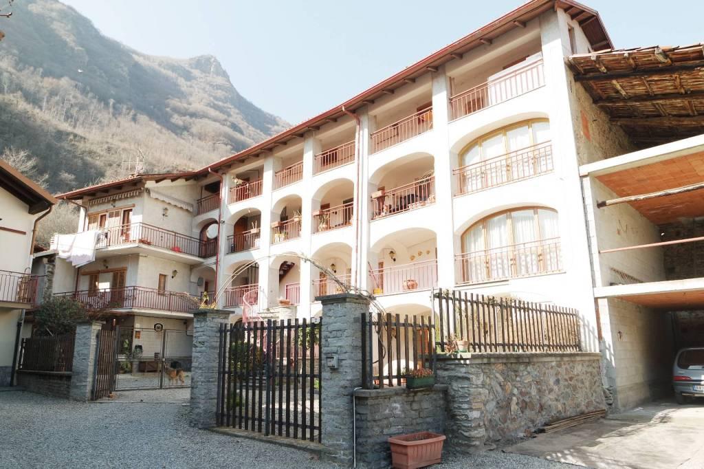 Appartamento in ottime condizioni in vendita Rif. 6074695