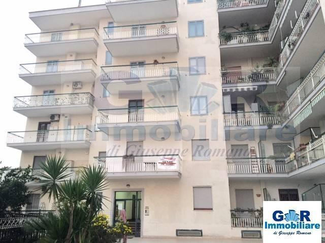 Appartamento in buone condizioni in affitto Rif. 8973795