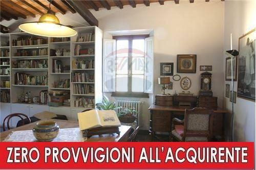 Villa in buone condizioni in vendita Rif. 8909590