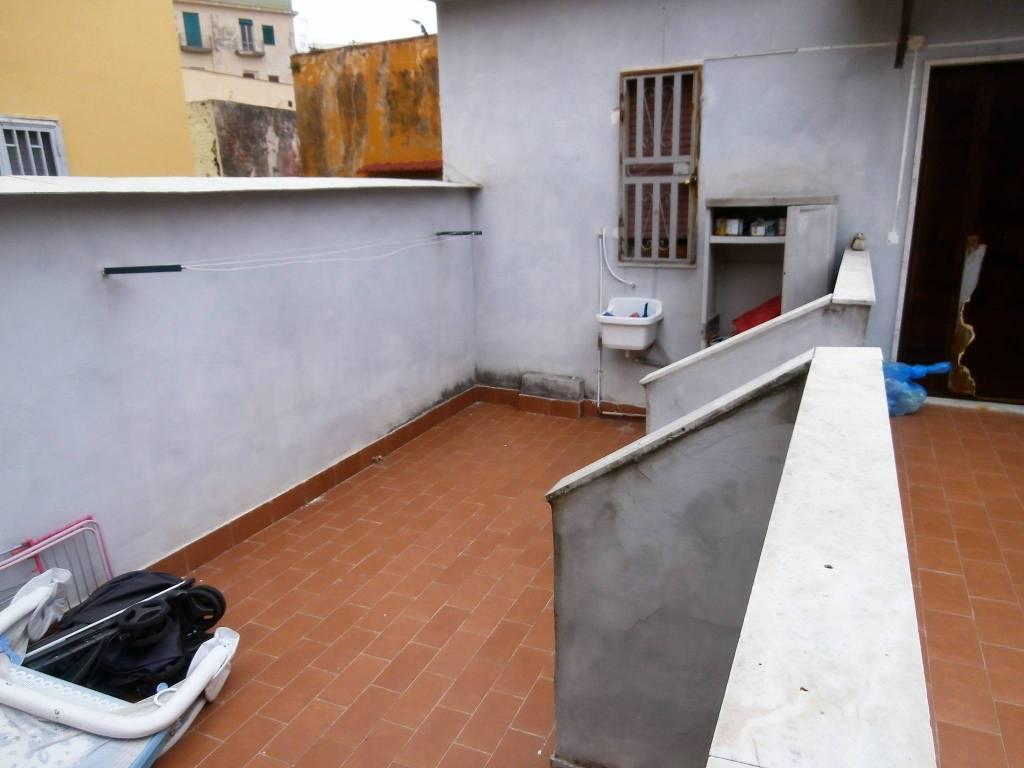 Grazioso appartamentino con terrazzo Costantinopoli T. Greco