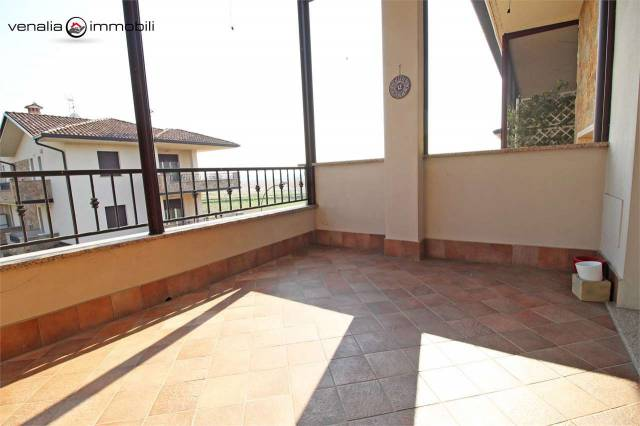 Appartamento in ottime condizioni parzialmente arredato in vendita Rif. 5750968