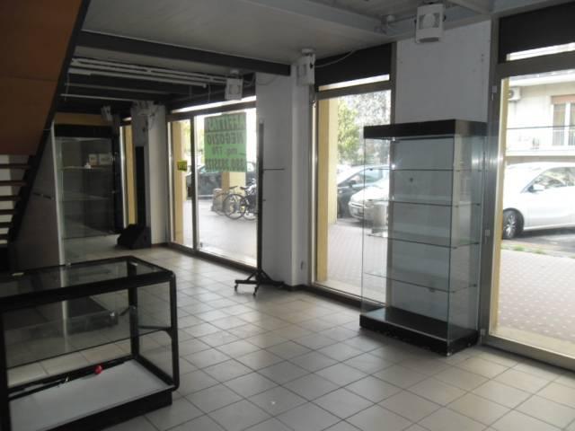 Negozio monolocale in affitto a Pesaro (PU)