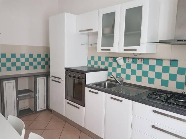Appartamento in ottime condizioni arredato in affitto Rif. 6110377