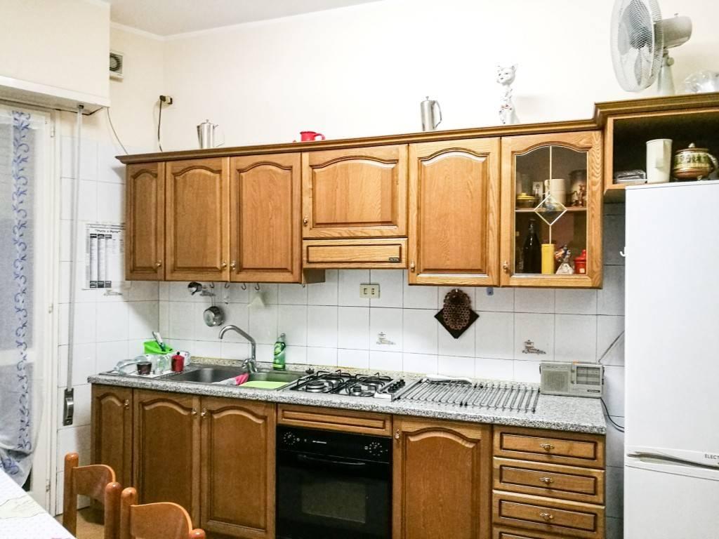 Appartamento in buone condizioni arredato in affitto Rif. 8551637