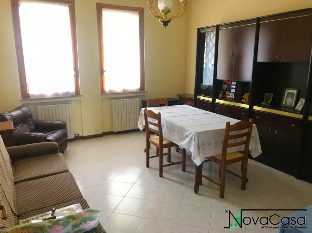 Appartamento in ottime condizioni in vendita Rif. 6643520