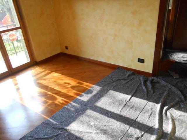 Appartamento in buone condizioni in affitto Rif. 5997837