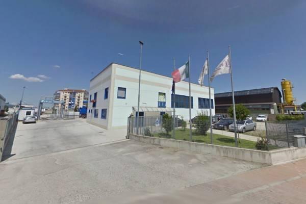 Capannone in vendita a Villastellone, 6 locali, prezzo € 300.000 | CambioCasa.it