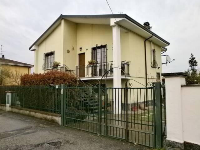 Villa in vendita a Zinasco, 3 locali, prezzo € 188.000   CambioCasa.it