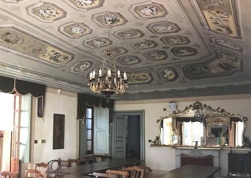 Palazzo / Stabile in vendita a Cortemilia, 6 locali, prezzo € 895.000 | CambioCasa.it