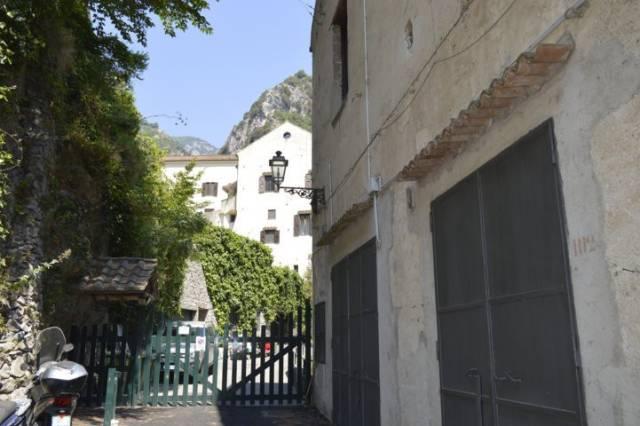 Appartamento da ristrutturare in vendita Rif. 6077815