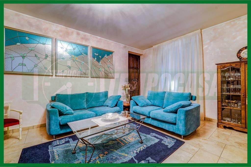 Villa in ottime condizioni in vendita Rif. 8914680