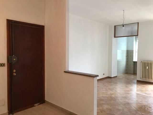 Appartamento in buone condizioni in affitto Rif. 5967051