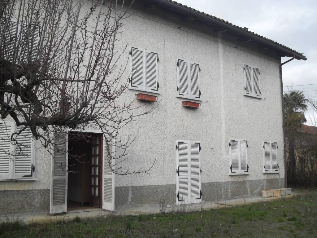 Rustico / Casale in vendita a Refrancore, 8 locali, prezzo € 110.000 | PortaleAgenzieImmobiliari.it