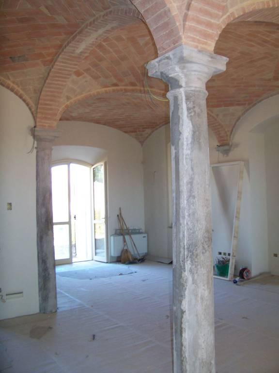 Rustico in Vendita a Parma: 5 locali, 200 mq