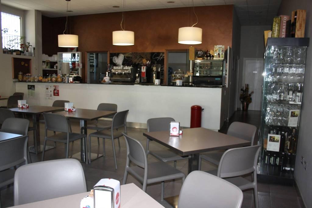 Bar in vendita a Castagnole delle Lanze, 3 locali, prezzo € 120.000 | PortaleAgenzieImmobiliari.it