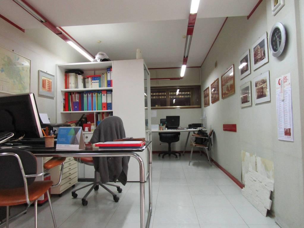 ufficio arredato in residence