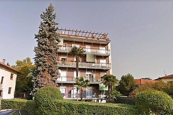 Appartamento in vendita a Baveno, 3 locali, prezzo € 90.000 | CambioCasa.it
