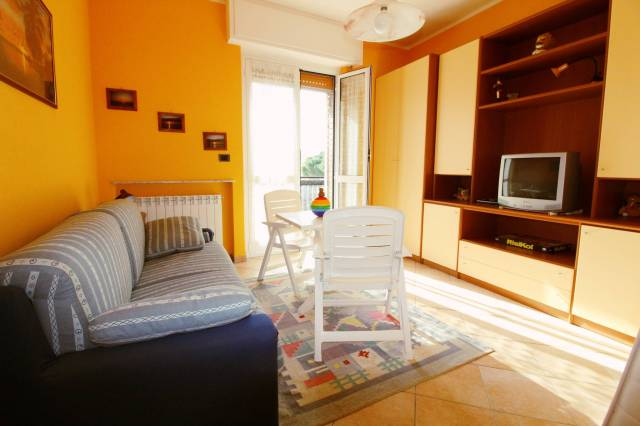 Appartamento in Vendita a Spotorno Centro: 3 locali, 77 mq