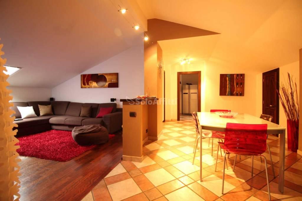 Appartamento in ottime condizioni in affitto Rif. 6103522