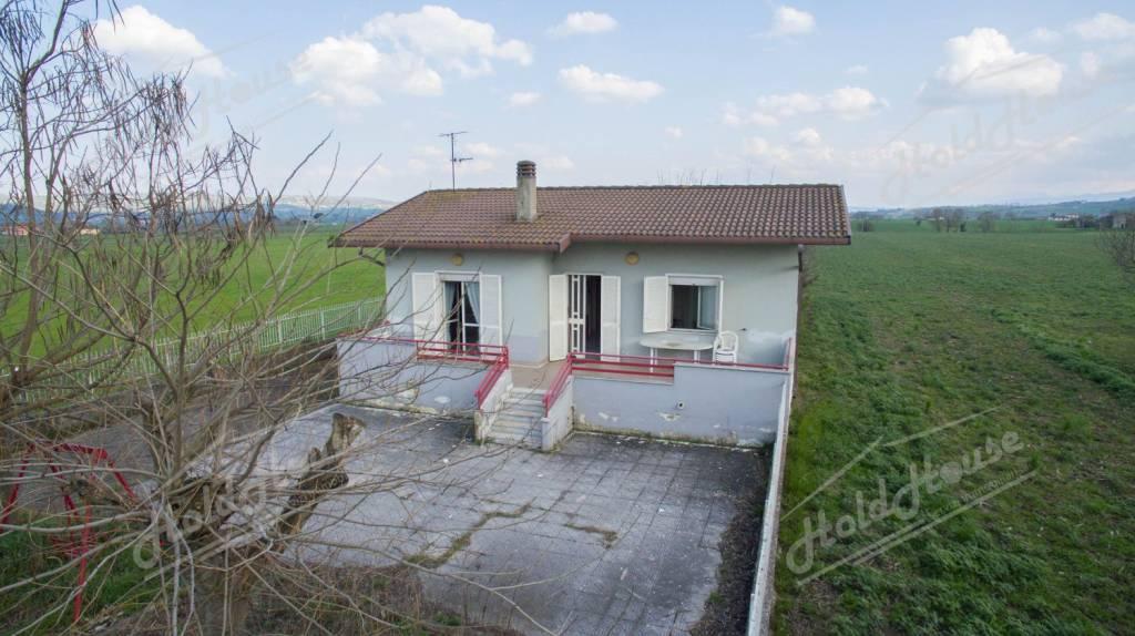 Villa bilocale in vendita a Calvi (BN)