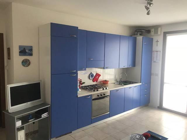 Appartamento in buone condizioni in vendita Rif. 6103963