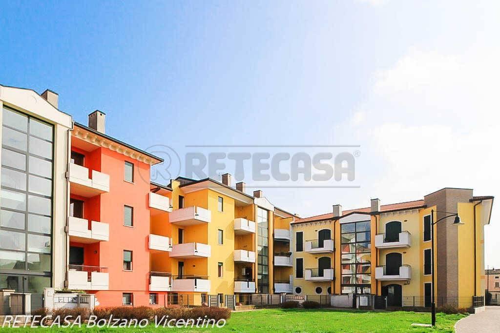Appartamento in ottime condizioni in vendita Rif. 5802124