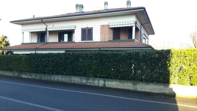 Appartamento in buone condizioni parzialmente arredato in vendita Rif. 6126730