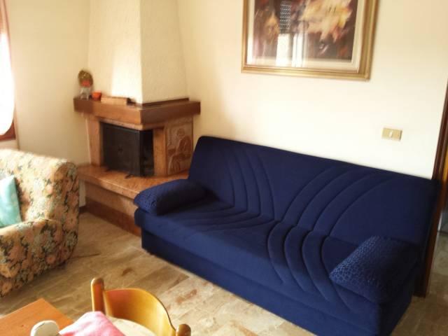 Appartamento in buone condizioni arredato in vendita Rif. 6122158