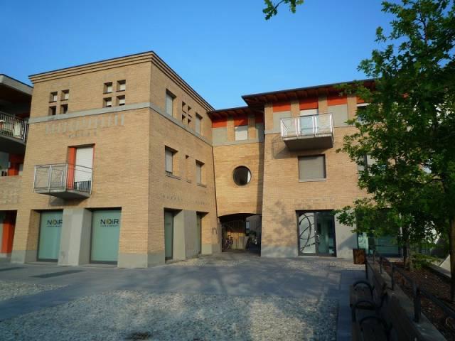 Appartamento in buone condizioni in affitto Rif. 6128425