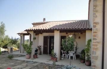 Montemerano- Casale nuova costruzione con giardino
