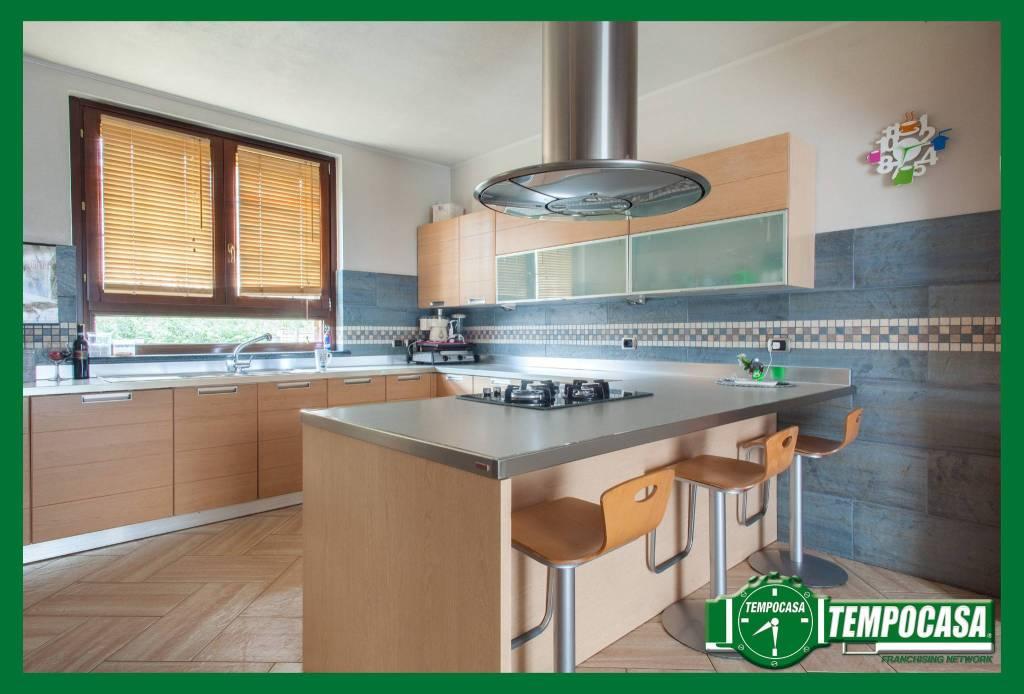Villa in ottime condizioni in vendita Rif. 8914655