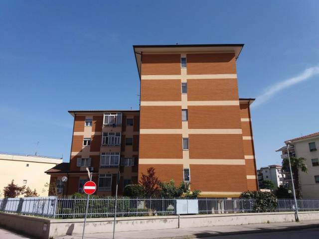 Appartamento quadrilocale in vendita a Aversa (CE)
