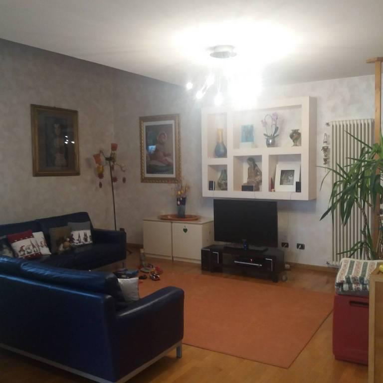 Villa in Vendita a Parma Periferia Est: 5 locali, 300 mq